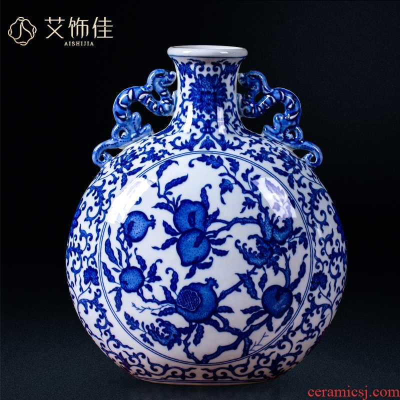Jingdezhen ceramic antique hand - made of blue and white porcelain vases, flower arrangement furnishing articles rich ancient frame the sitting room of Chinese style household ornaments
