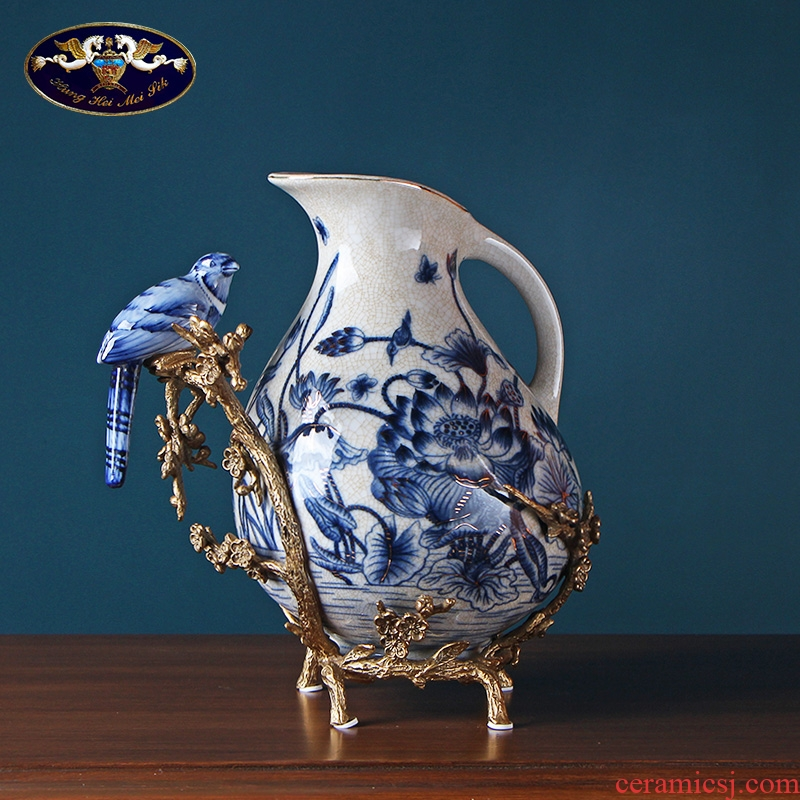 European creative blue and white porcelain vase in the sitting room porch place, Chinese style classical handicraft decoration home decoration