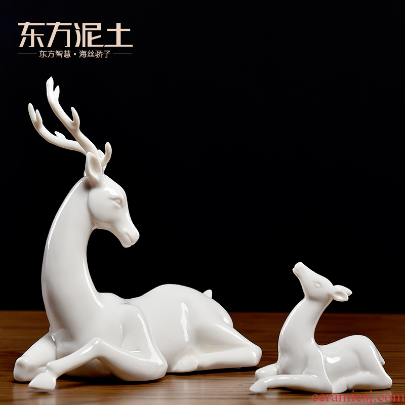 Oriental clay ceramic mother deer furnishing articles home sitting room of TV ark, wine rich ancient frame partition adornment