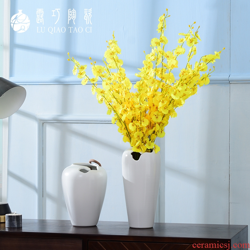 Lou qiao ou I and contracted white ceramic vase furnishing articles dried flower arranging flowers sitting room Nordic creative decoration