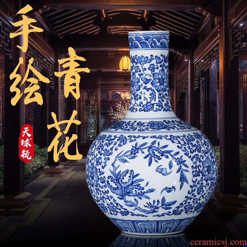 Jingdezhen blue and white hand - made ceramic antique bound lotus flower vases, flower arranging the celestial sphere of new Chinese style sitting room adornment is placed