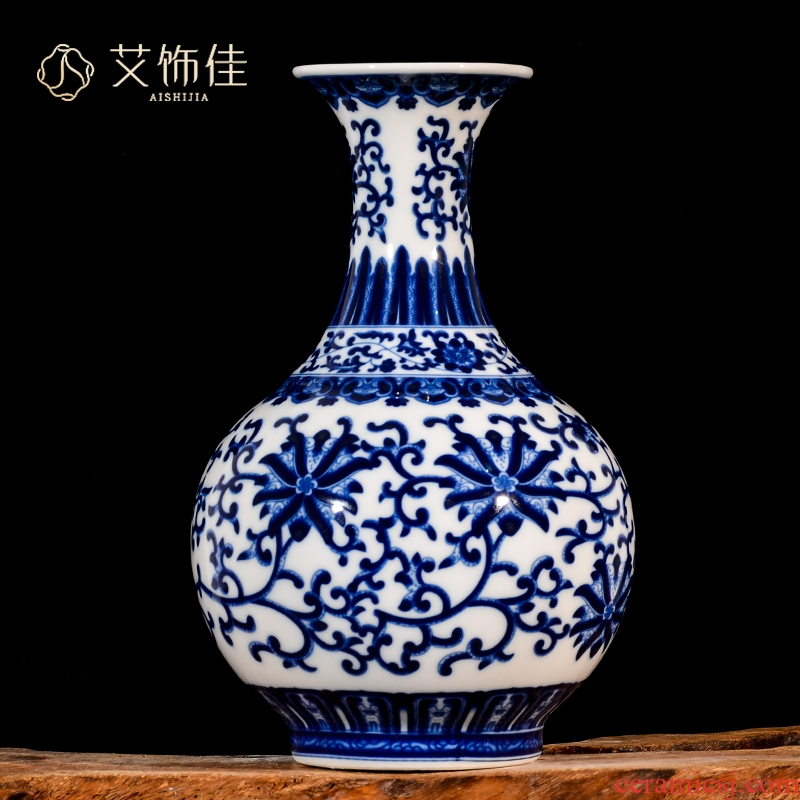 Jingdezhen ceramics, vases, flower arrangement sitting room adornment rich ancient frame furnishing articles furnishing articles of archaize of blue and white porcelain home decoration