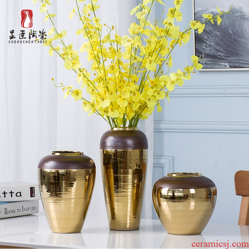 Jingdezhen European golden vase flower arrangement sitting room home decoration ceramic bottle of table wine porch place home
