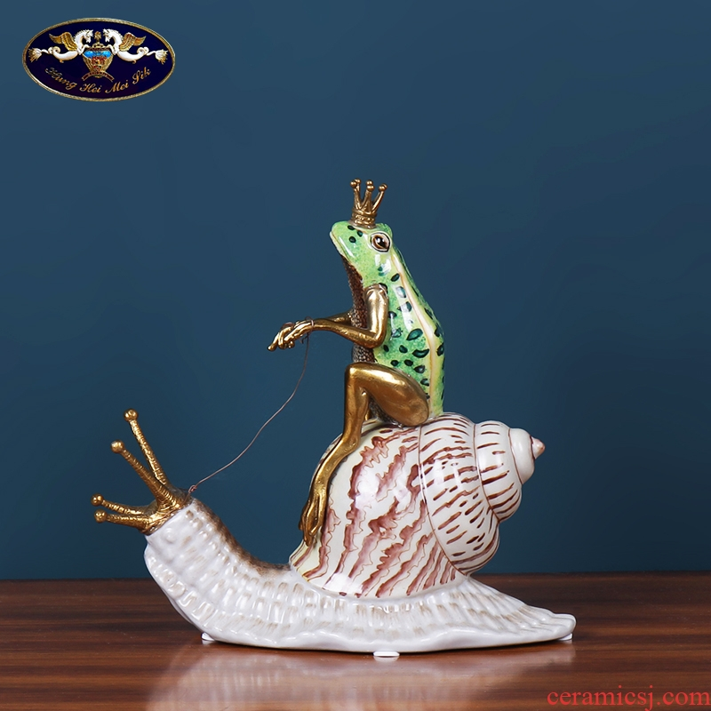 Q: Frog creative home decoration ceramic handicraft European rural living room TV ark, study furnishing articles