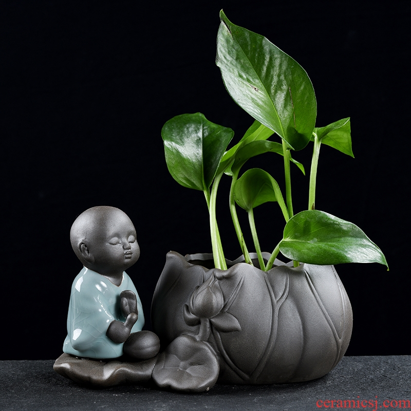 Creative young monk put ceramic vase furnishing articles hydroponic plant office desktop flowerpot money plant water containers
