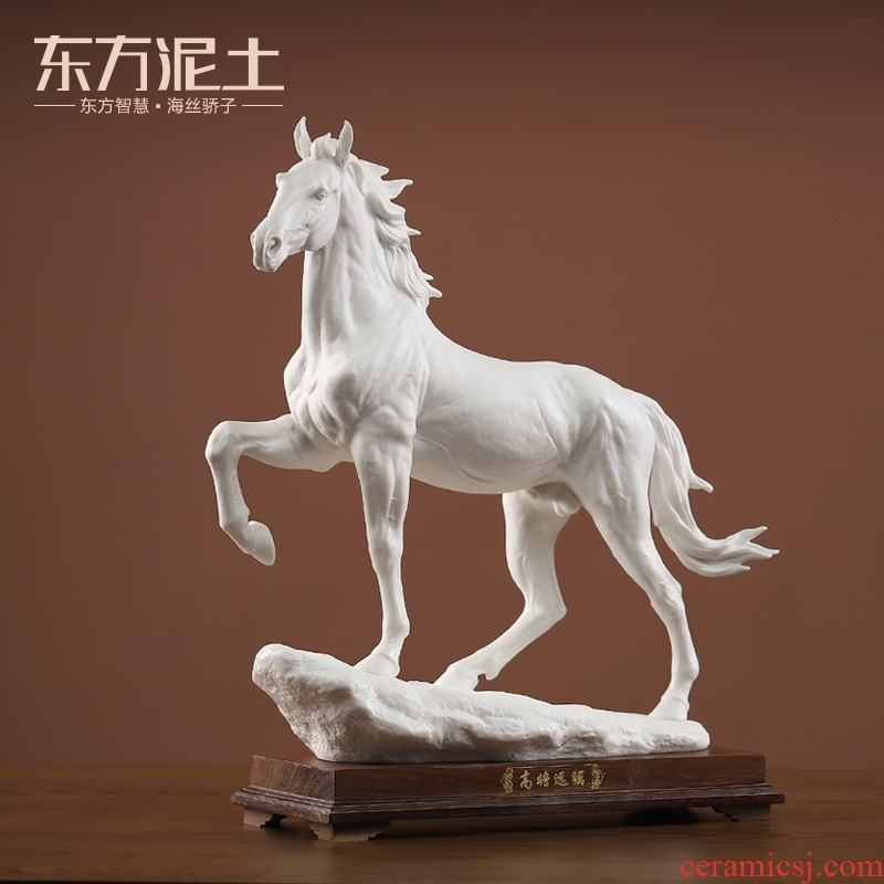 Oriental clay ceramic horse furnishing articles dehua porcelain its art office business gifts/vision