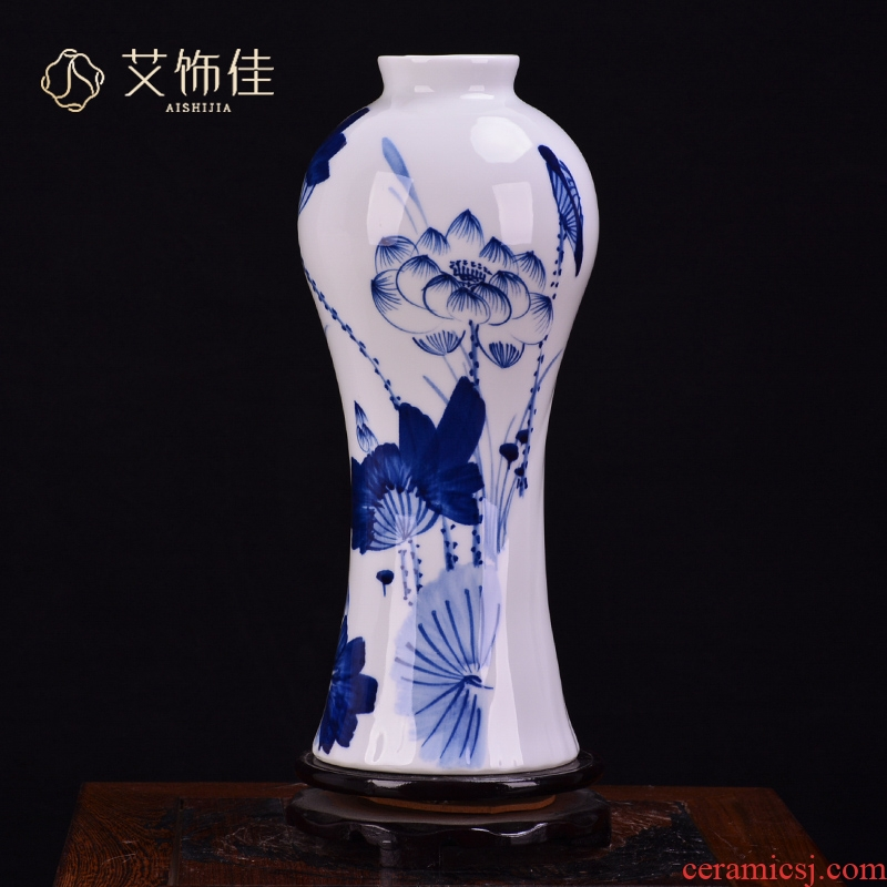Jingdezhen ceramic hand - made lotus blue and white vase of new Chinese style household living room TV ark adornment handicraft furnishing articles