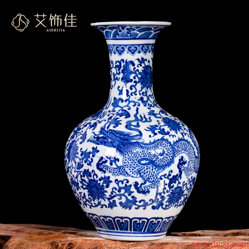 Blue and white porcelain vases, flower arranging furnishing articles of jingdezhen ceramics Chinese style household flower arrangement sitting room decorates porch crafts