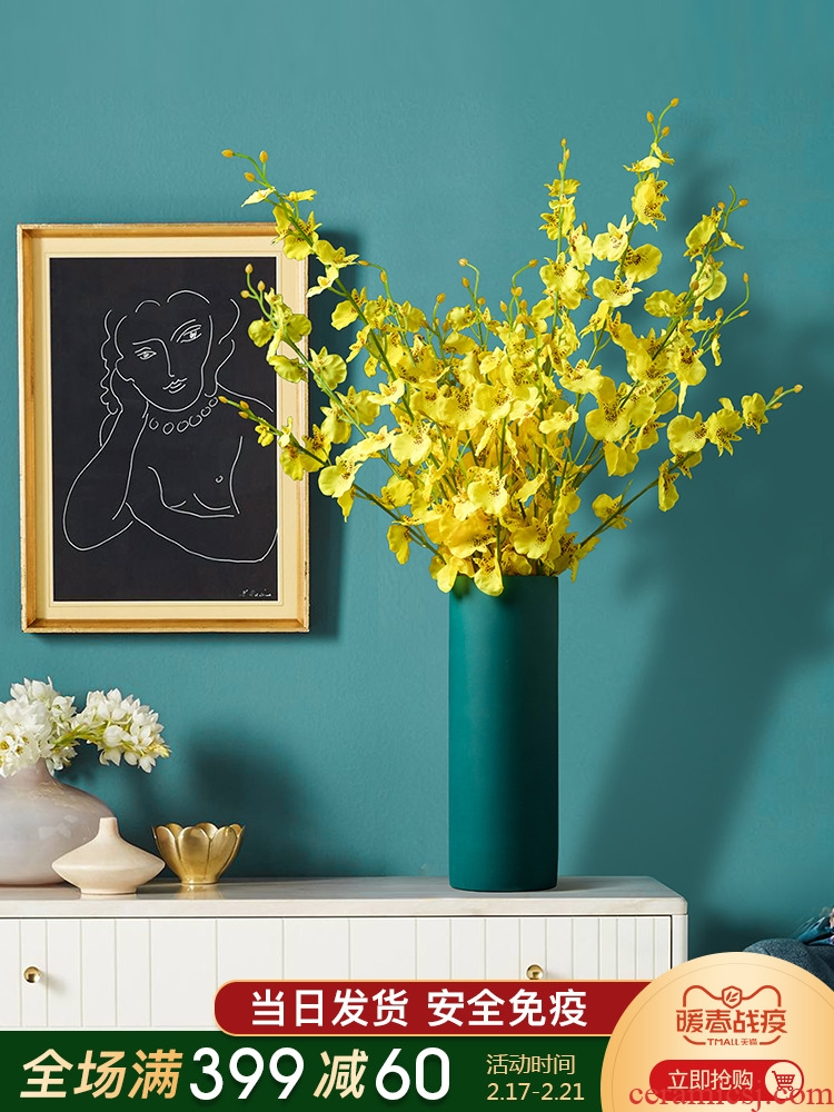 The Nordic straight ceramic vase furnishing articles at home sitting room ins contracted TV ark, porch is decorated flower implement arranging flowers
