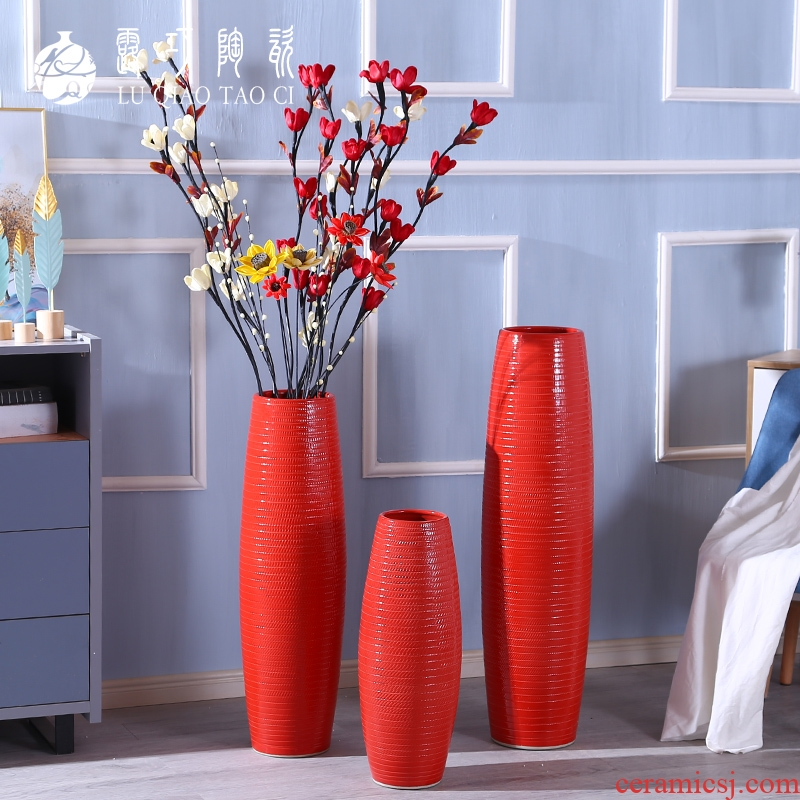 Living room festive red vase furnishing articles flower arranging large ground ceramic vases, Chinese red dried flowers suit
