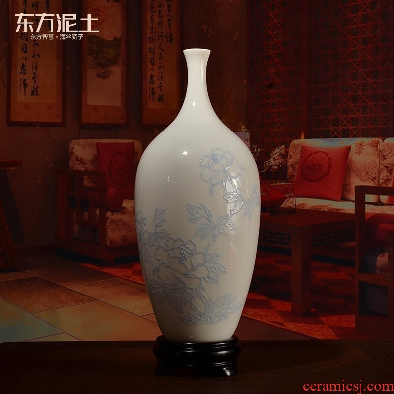 The east mud dehua white porcelain hand - made line carve peony ceramic vases, furnishing articles Chinese porcelain sitting room adornment