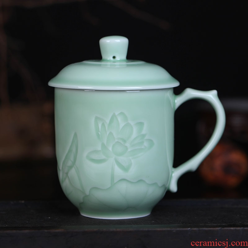 Jingdezhen ceramic cups with cover glass, high - capacity carved cup cup celadon cup home office meeting