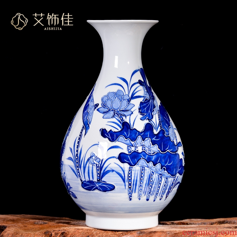 Antique porcelain of jingdezhen ceramics relief vases, flower arrangement sitting room place to live in the new Chinese style porch decoration