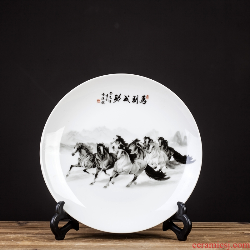 Jingdezhen ceramics decoration plate of Chinese style household act the role ofing is tasted, the sitting room porch TV ark, wine desktop furnishing articles