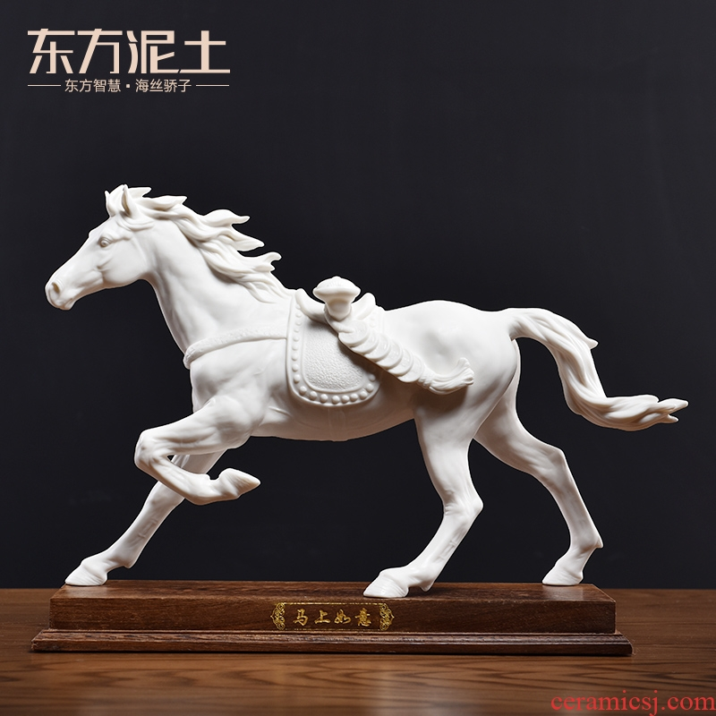 Oriental clay ceramic horse furnishing articles in plutus feng shui office desktop decoration/immediately