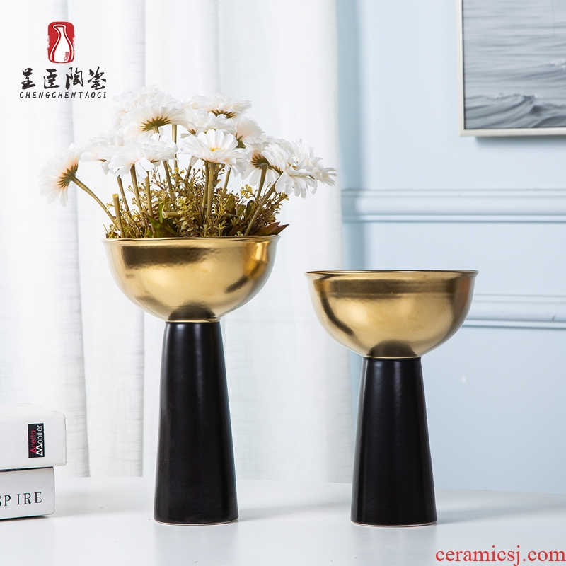 Jingdezhen ceramic vases, the sitting room porch decoration to the hotel rich ancient frame art porcelain vases black metal furnishing articles