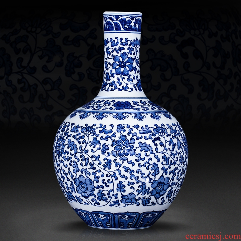 Blue and white auspicious pattern tree Chinese jingdezhen ceramics imitation the qing qianlong sitting room adornment is placed