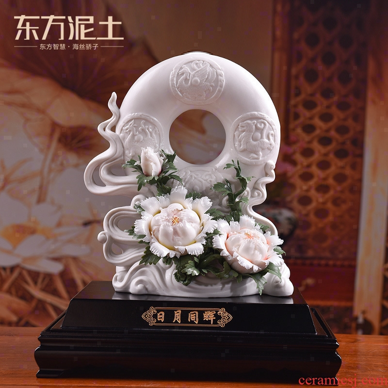 Oriental soil dehua white porcelain its art porcelain flowers, the process of the sitting room TV ark, furnishing articles/happiness