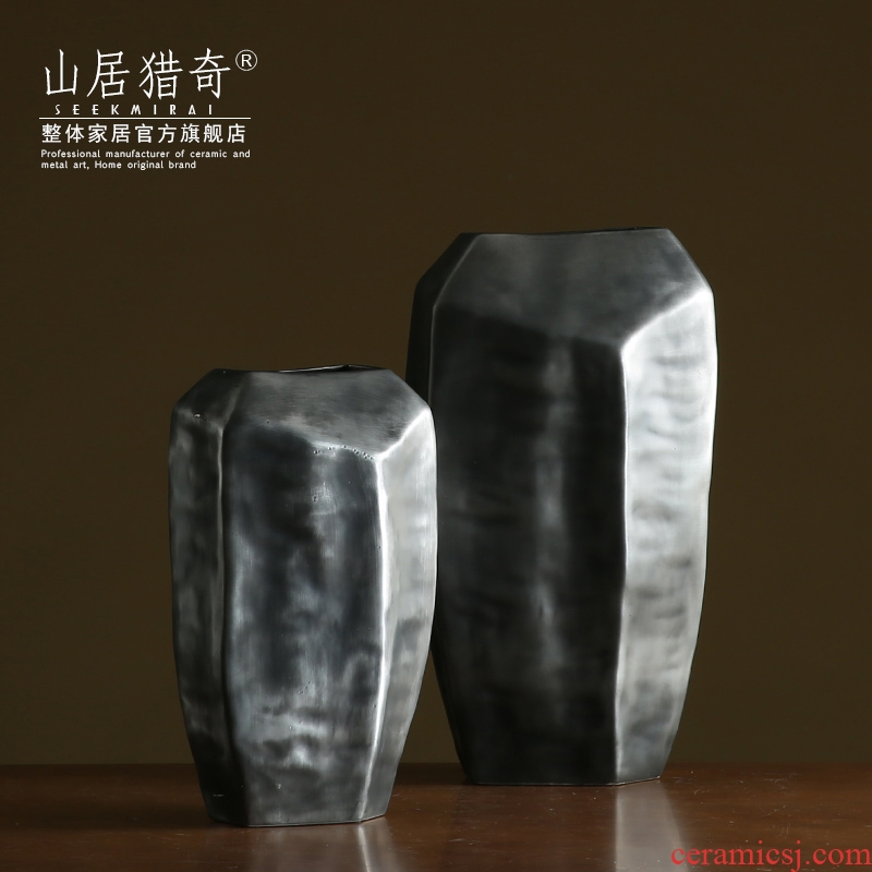 Polyhedral geometry of the big black ceramic vase hotel club sample room soft furnishing articles special - shaped flat bottle ornament