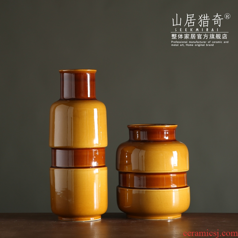 New classical household porcelain arts and crafts of TV ark, American black ceramic belt bottle vase furnishing articles yellow glaze paste