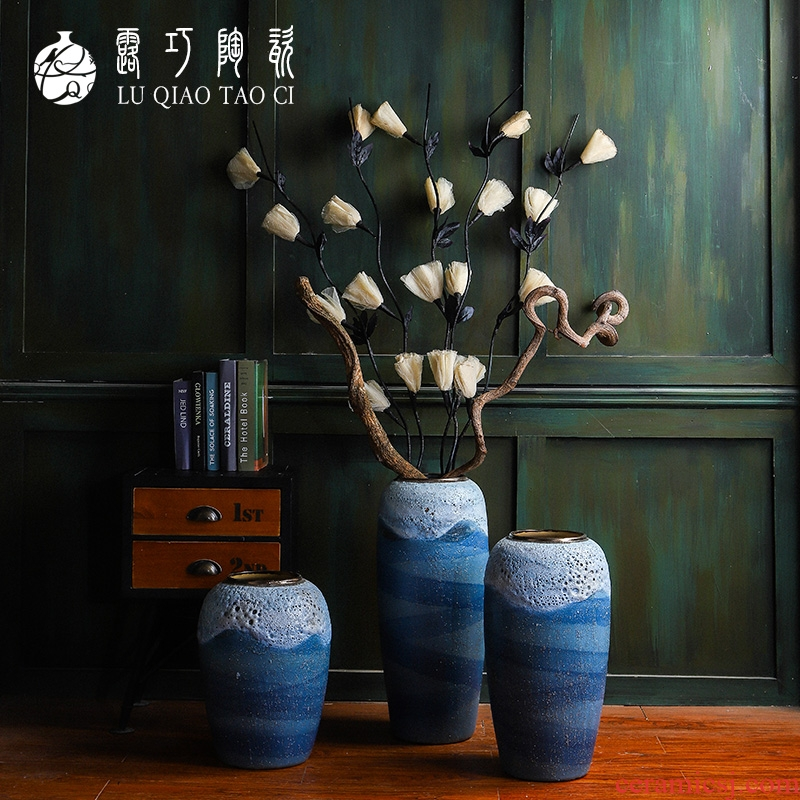 Lou qiao checking coarse pottery jars courtyard mall to restore ancient ways do old archaize floor vases, the sitting room porch place
