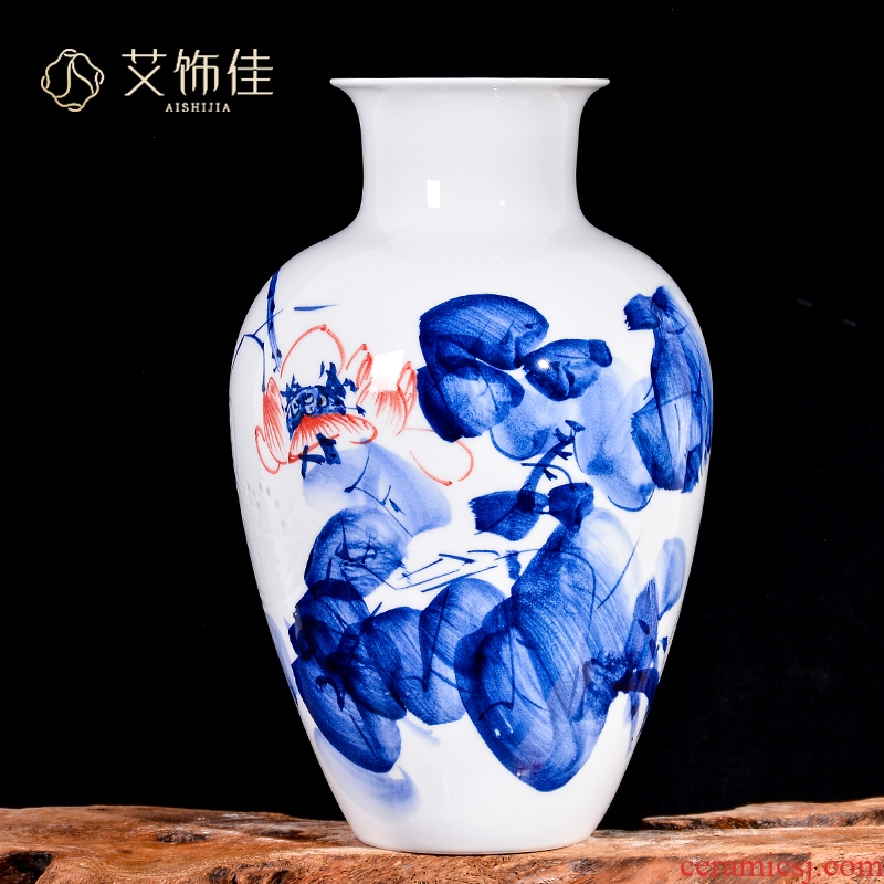 Jingdezhen ceramics by hand knife clay vase furnishing articles of TV ark, rich ancient frame of Chinese style household ornaments