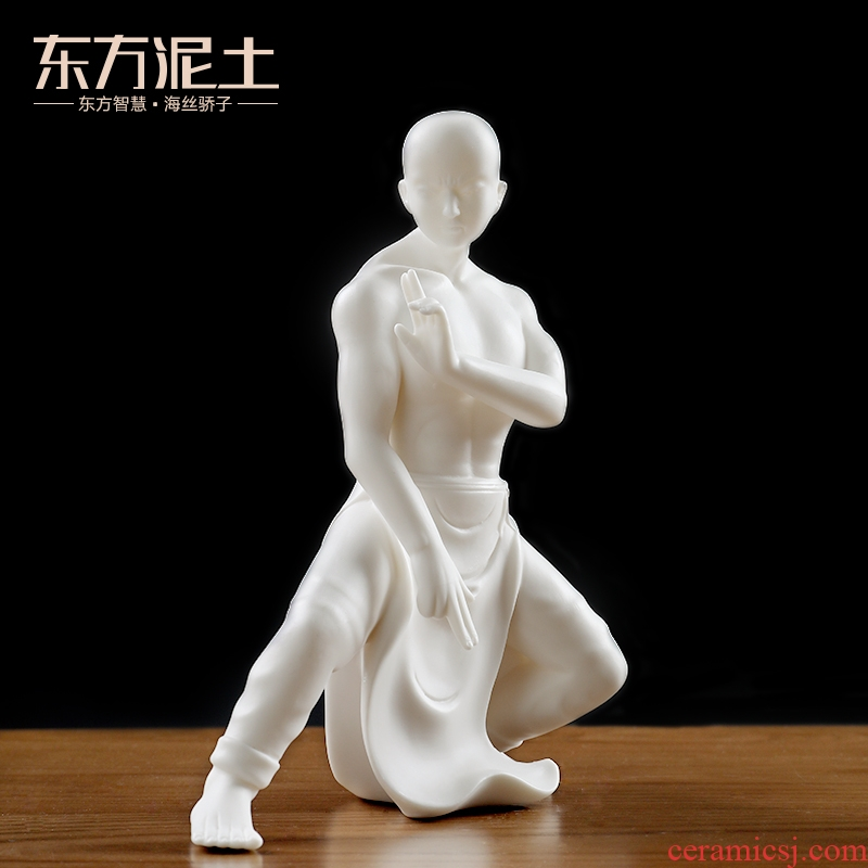 The east mud dehua white porcelain figures furnishing articles creative ceramic wine cabinet office sitting room adornment/courage