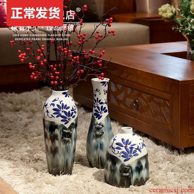 Dry ceramic new Chinese style furnishing articles furnishing articles hand - made landing porcelain vase of blue and white porcelain vase vase creative living room