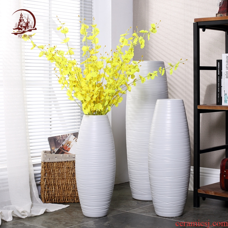 Jingdezhen I and contracted creative living room TV cabinet ceramic white ground vase flower arranging home decoration