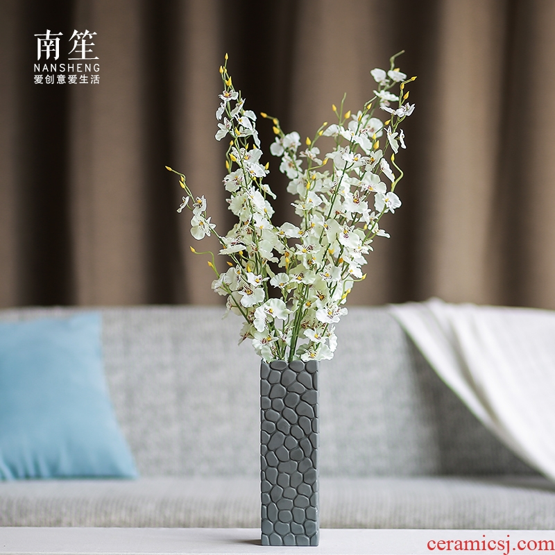 Nan sheng I and contracted simulation flower, dried flower ceramic vase household act the role ofing is tasted mesa place flower arranging flowers white