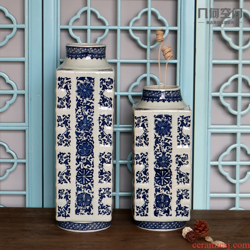 Jingdezhen chinaware bottle of blue and white porcelain flower vases, flower implement sifang mesa classical Ming and the qing dynasties antique furnishing articles