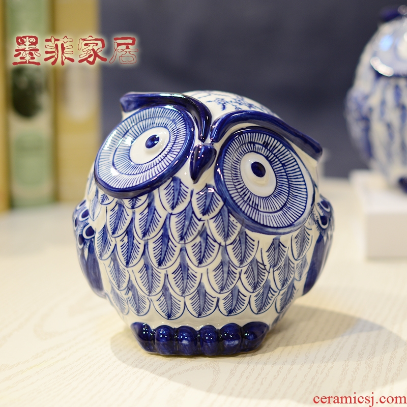 The Owl furnishing articles of modern blue and white porcelain is the new Chinese style classical ceramic sitting room TV ark, wine household soft adornment