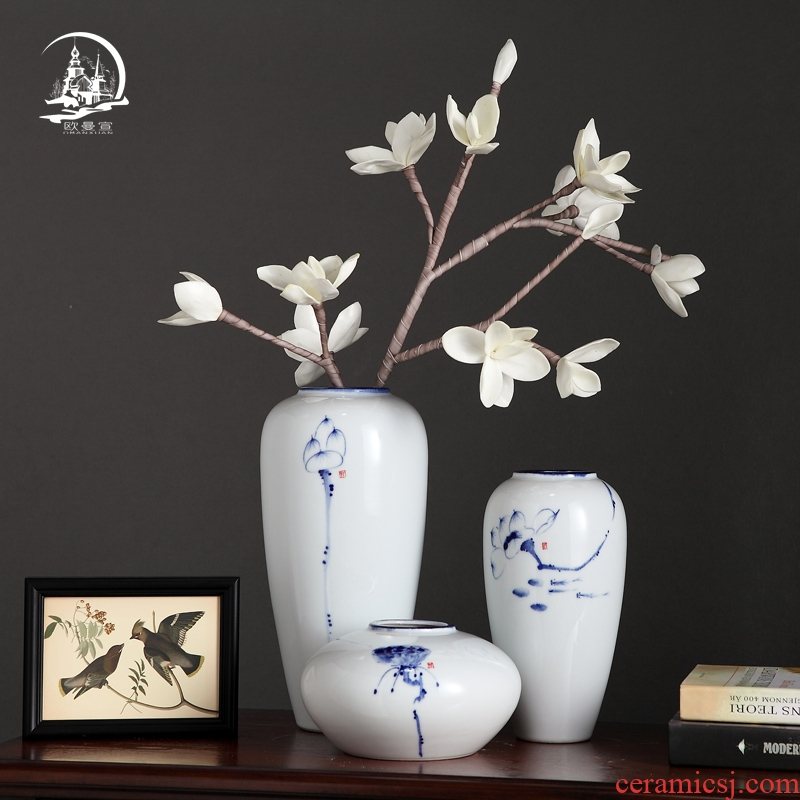 The Modern new Chinese style household TV ark, creative ceramic vase furnishing articles, the sitting room porch inserted dried flower decorations
