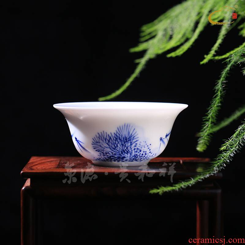 Beijing 's blue and white porcelain up and auspicious pure manual hand - made sample tea cup tea cup albacore flat foot short single CPU