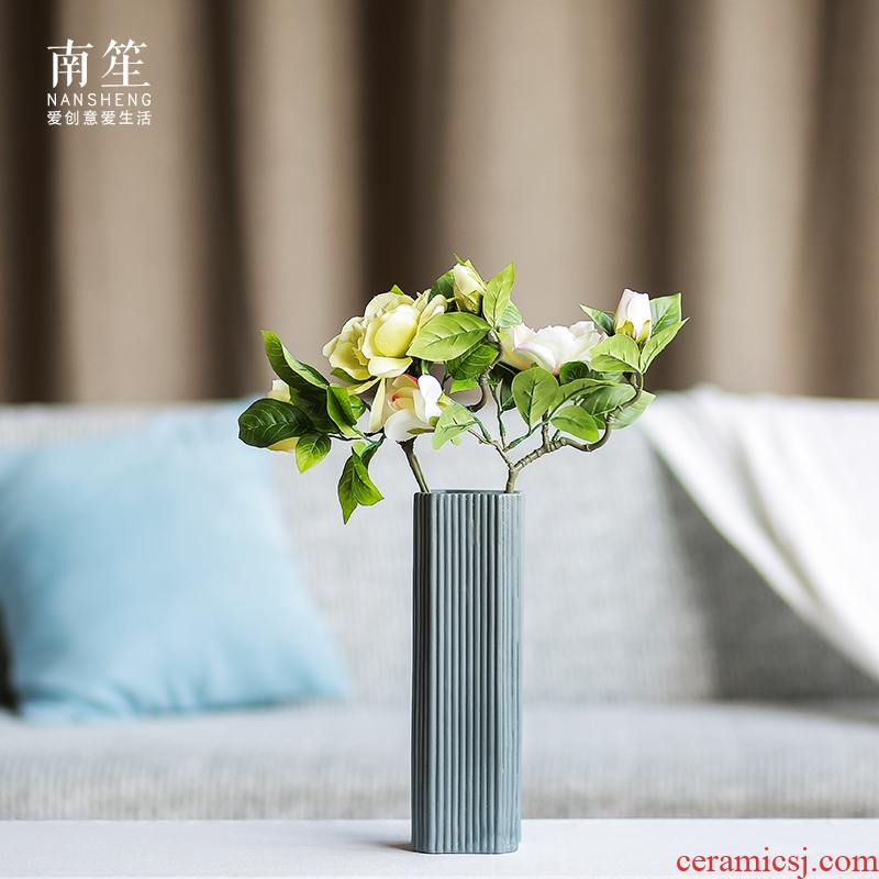 Nan sheng I and contracted Europe type simulation flowers, dried flowers, ceramic vases, flower arranging flowers, household act the role ofing is tasted mesa furnishing articles