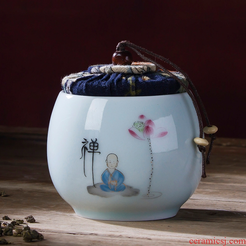 Jingdezhen ceramic tea pot general sealing green porcelain jar household small travel moistureproof receives the mini storage tanks