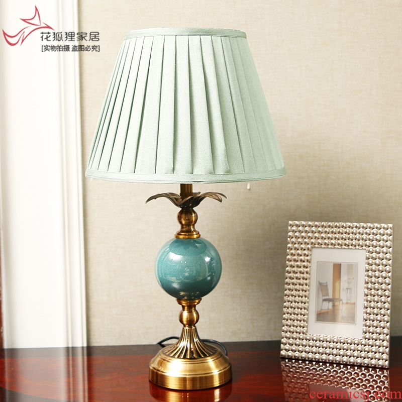 American contracted ceramic small desk lamp adornment bedroom bed may creative European modern wedding celebration of sweet got connected