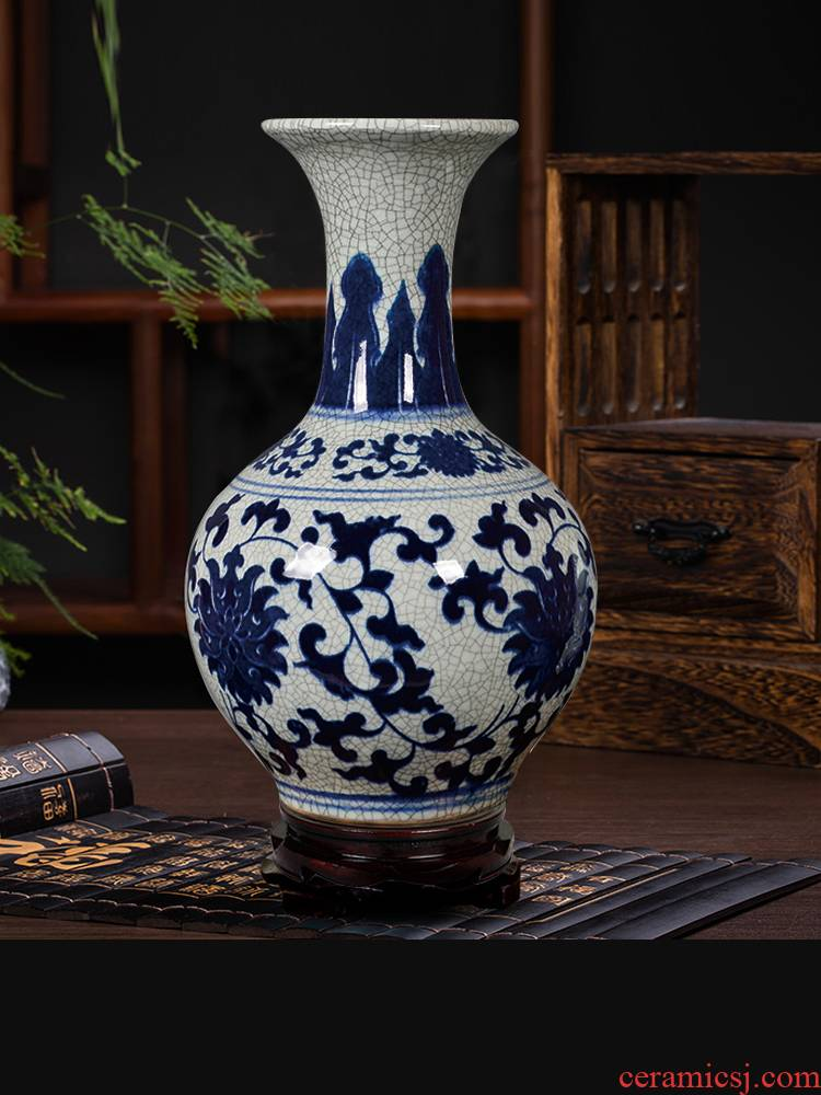 Archaize of jingdezhen ceramics up with blue and white porcelain vases, flower arrangement of Chinese style classical home sitting room adornment is placed