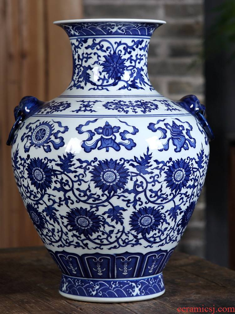 Jingdezhen ceramics furnishing articles antique blue and white porcelain vases, flower implement new sitting room of Chinese style household craft ornaments