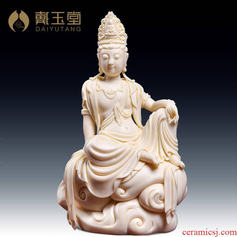Yutang dai manually signed collection work Lin Jiansheng porcelain carving art of jade Huang Xiangyun comfortable guanyin/D03-103