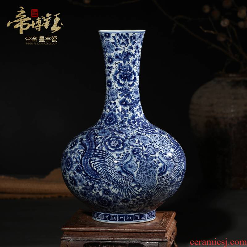 Jingdezhen ceramics antique hand - made crafts are blue and white porcelain vases, flower arrangement sitting room of Chinese style household decorations