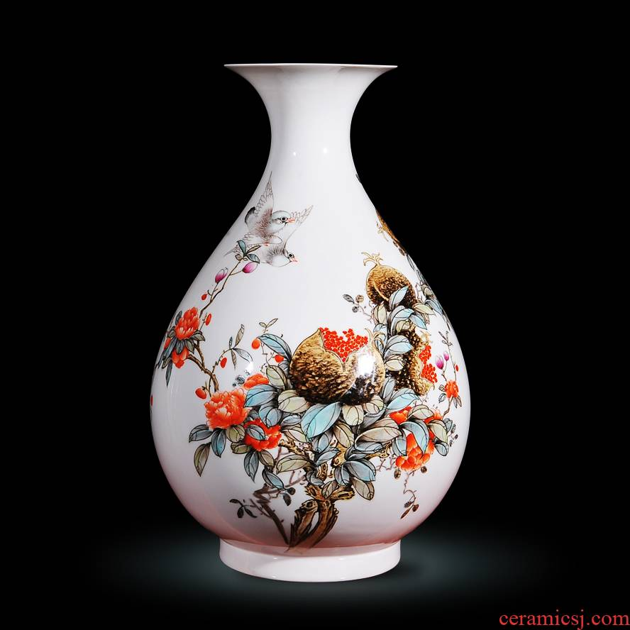 Jingdezhen ceramics Feng Jie hand - made powder enamel vase modern fashion decoration crafts are rich fruits