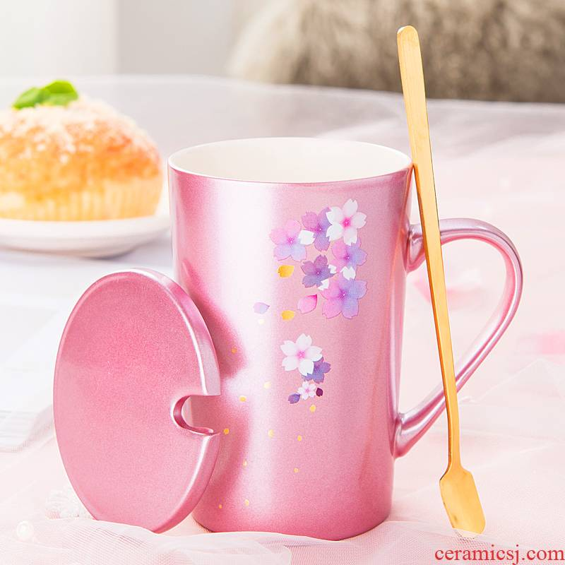 Japanese creative cherry blossom put ceramic cup keller cup express female students with cover spoon coffee cup