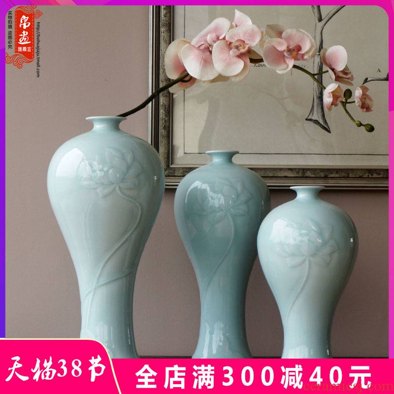 Jingdezhen ceramic vase furnishing articles flowers, dried flowers, flower arrangement sitting room desktop water raise hand shadow blue adornment narrow expressions using
