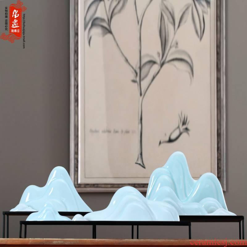 Jingdezhen ceramic furnishing articles yamagata brush pen rack, pen rack manual shadow blue pen hill study decorates the four treasures of the study