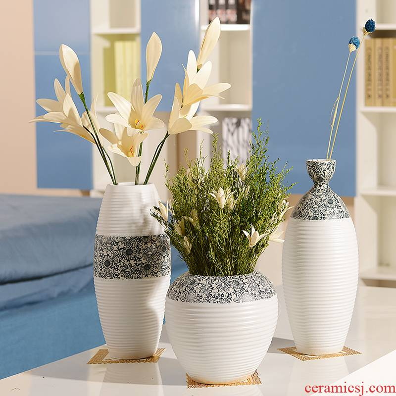 Jingdezhen ceramics dry flower vase is contracted and I household act the role ofing is tasted white flower implement creative living room table furnishing articles