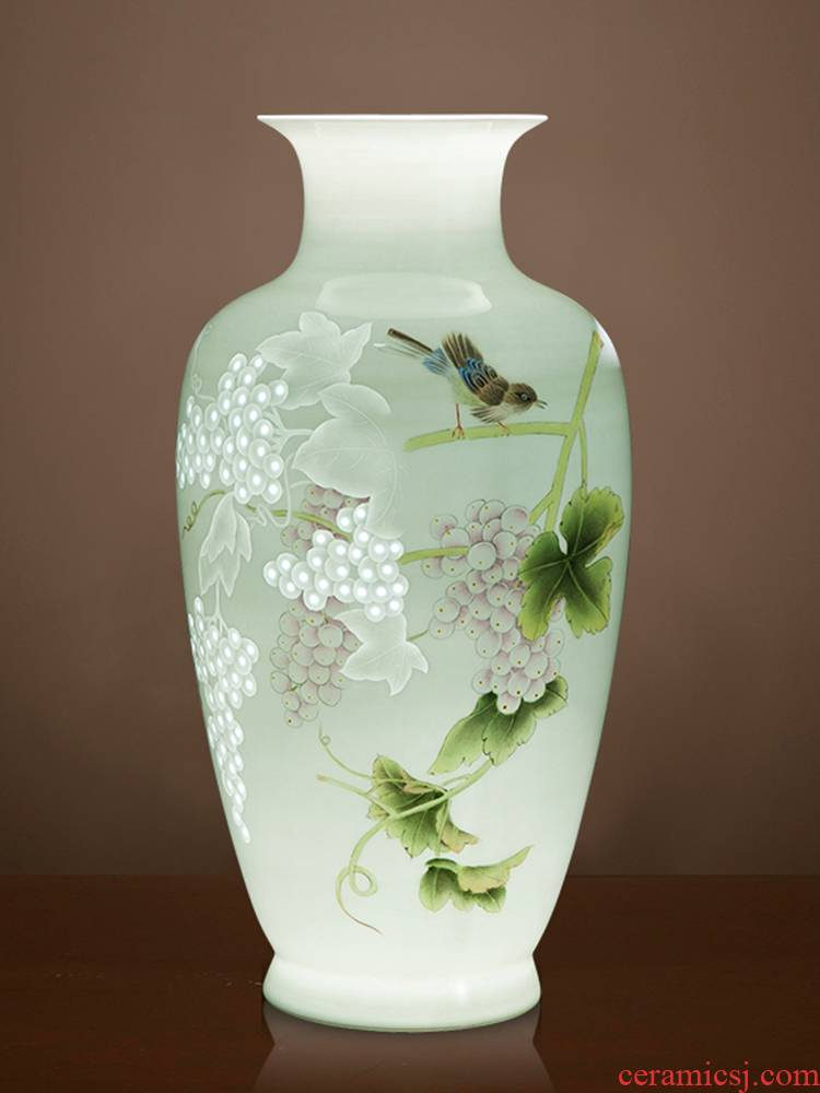 Jingdezhen ceramics famous master manual hand - made knife clay powder enamel vase Chinese sitting room adornment is placed