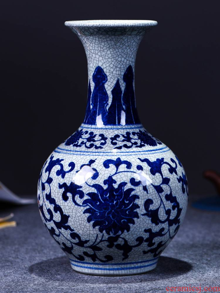 Jingdezhen ceramics antique blue and white porcelain vases, flower arranging is the modern Chinese style living room decorations crafts