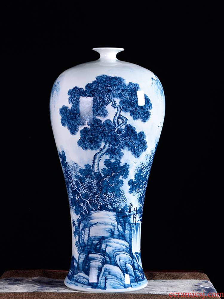 Jingdezhen ceramics famous hand - made flower arranging device of blue and white porcelain vase furnishing articles rich ancient frame sitting room decoration