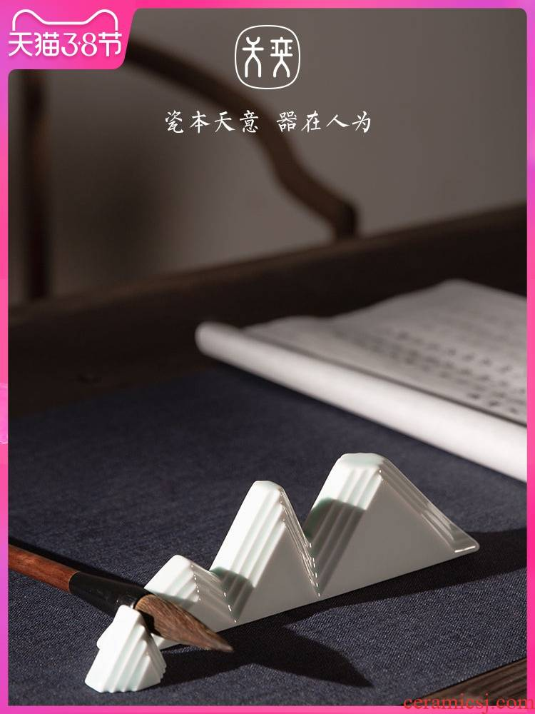 """Flat"" day yi ceramics shadow green penholder pen mountain ""four calligraphy brushes value supplies creative furnishing articles manually"